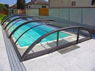 Azure flat kompakt medencefedés felnyitható homlokfallal