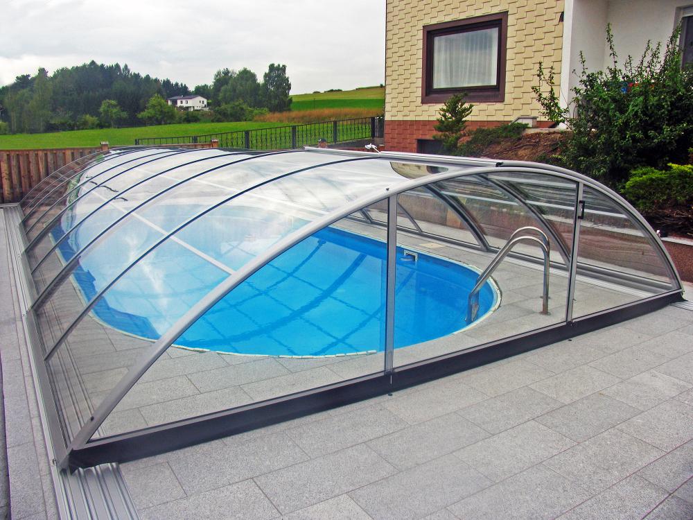 Coperture piscine produzione in serie a prezzi bassi - Piscina seminterrata prezzi ...