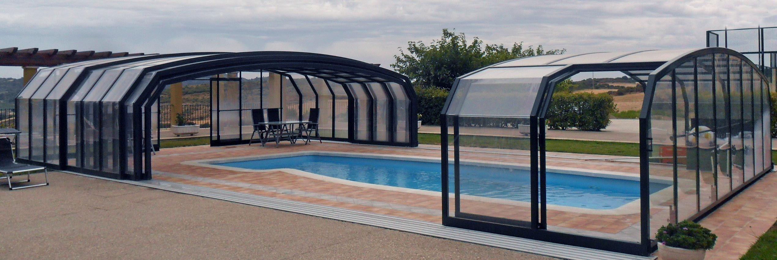 Copertura piscina aperta a metà