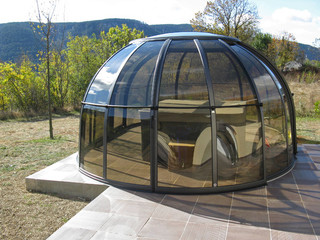 Copertura ovale trasparente