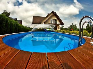 Copertura per piscine Universe si unisce perfettamente ad ogni forma di piscina