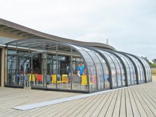 Coperture scorrevoli da quanova per i terrazzi dei bar e ristoranti