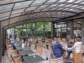 """Copertura telescopica modelo """"Corso"""" per i terrazzi dei ristoranti"""