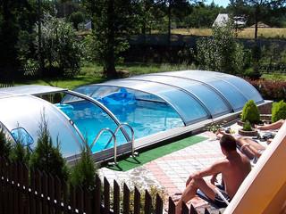 Copertura piscina bassa trasparente Aquanova, modello Elegant NEO