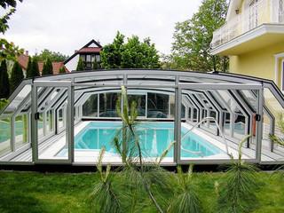 Copertura telescopica per piscina con profili in alluminio e policarbonato modello Ocanic