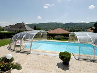 Copertura piscina telescopica lussuosa con profili in alluminio e policarbonato