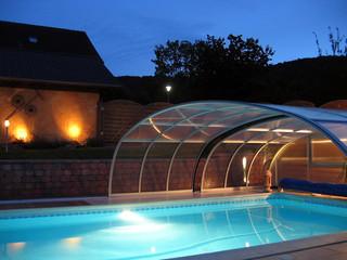 coperture telescopiche per piscine in colore pino