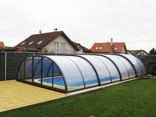 copertura per piscina medio alta in colore bianco