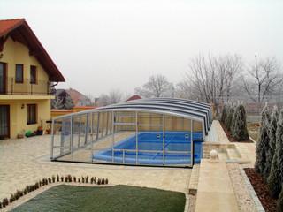 copertura telescopica per piscina colore antracite