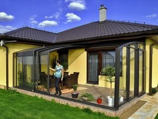 Zastřešení terrazzi CORSOy je žádané rozšíření obytného prostoru domu