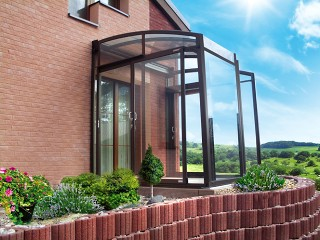 Corso Premium used as a house entrance enclosure