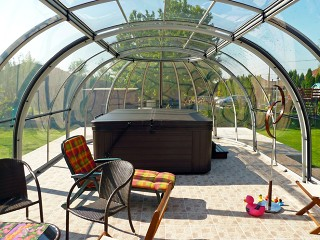 Look into hot tub enclosure Oasis