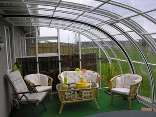 Patio enclosure CORSO Entry fits great to your garden