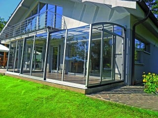 Patio enclosure CORSO Solid – enjoy in every weather