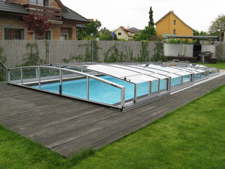 Retractable swimming pool enclosure CORONA