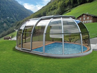 Retractable hot tub enclosure Spa Sunhouse with beautiful view on mountains