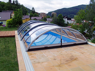 High swimming pool enclosure UNIVERSE by Alukov