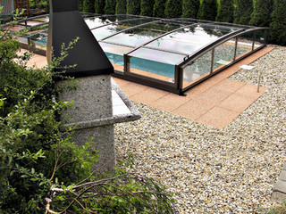 Retractable pool enclosure for public swimming pool 01