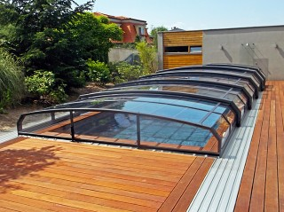 Retractable swimming pool enclosure Oceanic low in anthracite color