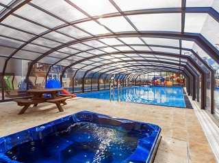 Swimming pool enclosure Oceanic high beautifuly fits on the public pool