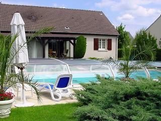 Swimming pool enclosure Riviera with white finish