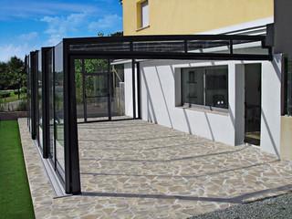 Inovatyvus sprendimas įstiklinti verandą - kiemo uždanga CORSO GLASS iš Alukov