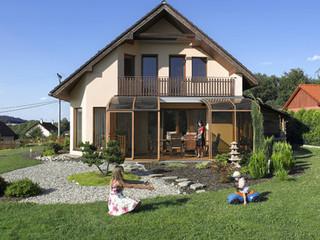 Inovatyvi veranda  -slenkamas dangalas CORSO iš Alukov