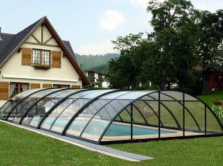 zwembad overkapping UNIVERSE - donkere uitvoering, volledig transparante polycarbonaat