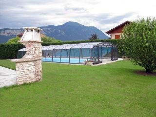 Zwembad overkapping VENEZIA met een wijde overspanning