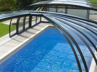6  redenen  om  uw  zwembad  te  overkappen