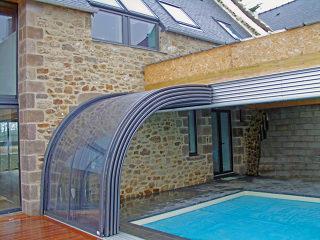 Telescopische zwembad en terras overkapping CORSO Entry is een innovatieve uitbreiding van uw woning