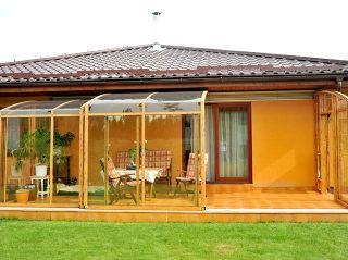de innovatie - terras overkapping CORSO SOLID  is comfortabel in gebruik
