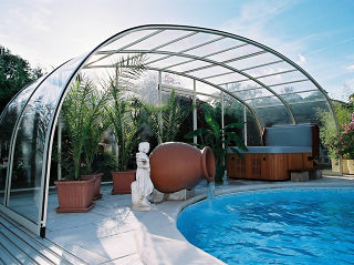 Zwembadoverkapping LAGUNA NEO met extra Relaxruimte