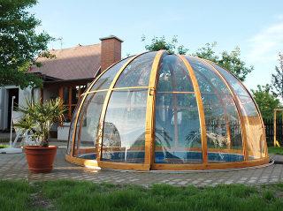 Zwembadoverkapping ORIENT ontworpen voor ronde zwembaden en als tuin patio