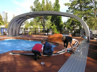 All Seasons Holiday Park Rotorua. Grande Laguna Pool Enclosure Assembly