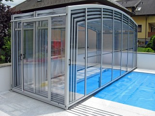Fully retracted pool enclosure Venezia with white finish