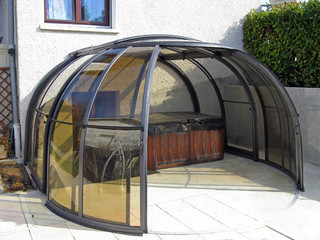 Opened spa pool enclosure OASIS