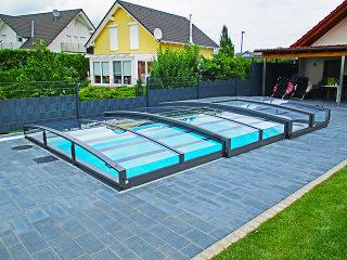 Low line pool enclosure Viva
