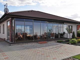 Retractable patio enclosure CORSO fully closed