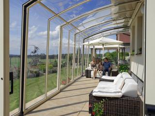 Retractable patio enclosure CORSO Solid - fully closed