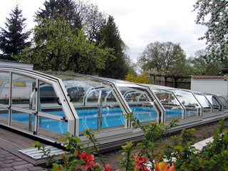 Telescopic swimming pool enclosure OCEANIC