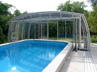 Fully opened pool enclosure Omega