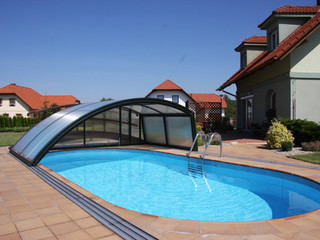 Retractable pool enclosure RAVENA - anthracite color
