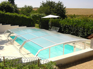 Swimming pool enclosure RIVIERA can be fully opened and closed