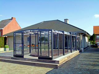 Swimming pool enclosure VISION ™ in popular anthracite color