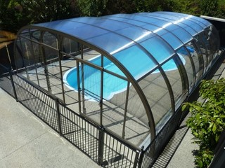 Retractable swimming pool enclosure LAGUNA NEO - Taupo