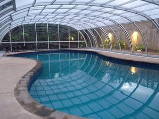 Retractable swimming pool enclosure Tropea NEO™ - Auckland