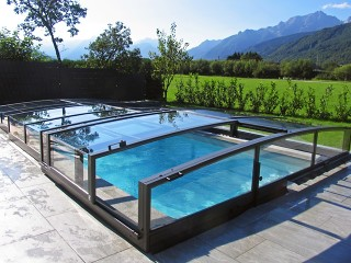 Retractable swimming pool enclosure Viva with anthracite finish