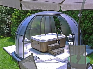 Retracted hot tub enclosure Spa Dome Orlando