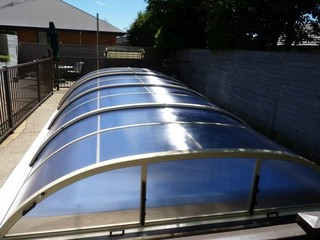 Swimming pool cover ELEGANT NEO™ in Hamilton